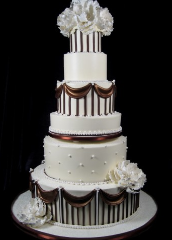 Cake by Project WEdding