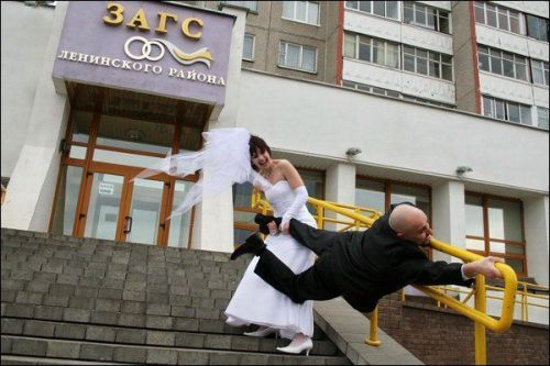 Funny-wedding-photos-come-with-me